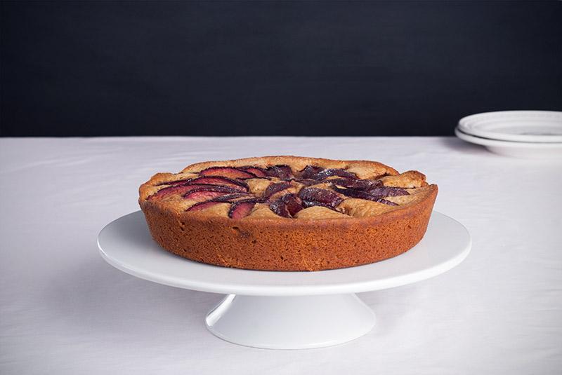 Skillet+Plum+Cake+|+breadandbrushstrokes.com